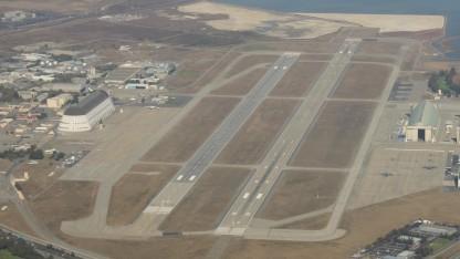 Moffett Federal Airfield aus der Luft