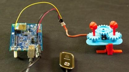 Intel Edison mit Augen und Kamera