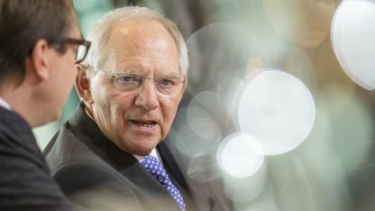 Wolfgang Schäuble soll Pkw-Maut verzögern.