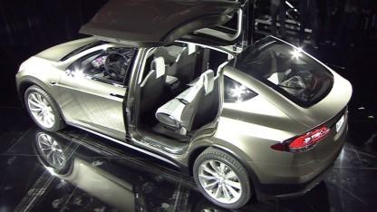Tesla Model X ist für Frauen konzipiert.