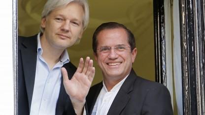 Seit mehr als zwei Jahren lebt Assange in der Botschaft von Ecuador in London.