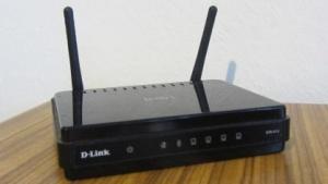 Der DIR-615-Router von D-Link ist eines der Geräte, die von der WPS-Lücke betroffen sind.