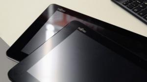 Das Q555 spiegelt weniger als Hochglanz-Tablets