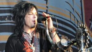 Nikki Sixx mit Mötley Crüe auf dem Wacken Open Air 2010