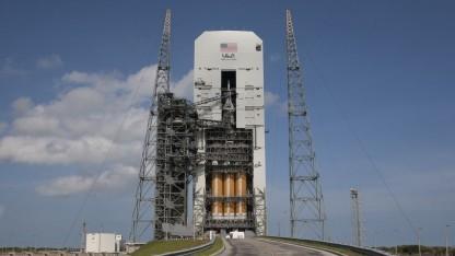 Raumfahrt Raumfahrzeug Orion Fliegt Zum Ersten Mal Golemde