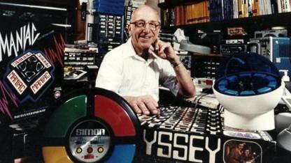 Ralph H. Baer in seinem Arbeitszimmer