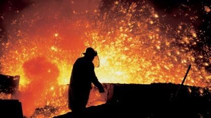Arbeiter im tschechischen Stahlwerk Trinec