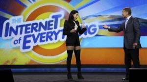 Cisco-Chef John Chambers und die Komödiantin Sarah Silverman auf der Consumer Electronics Show (CES) 2014