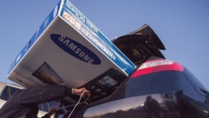 Erster Samsung-TV mit Tizen wird auf der CES 2015 gezeigt.