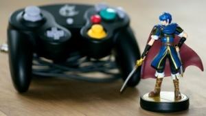 Im stationären Handel noch zu haben: Marth und der Gamecube-Controller für Super Smash Bros