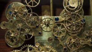 Die komplexe Mechanik einer astronomischen Uhr