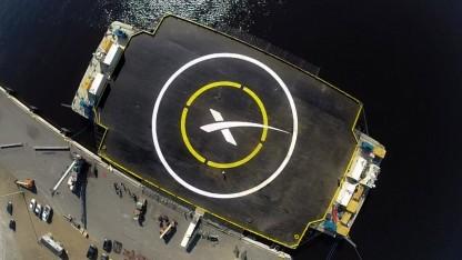 Autonomous Spaceport Drone Ship: Landung auf einer kleinen, schwankenden Plattform
