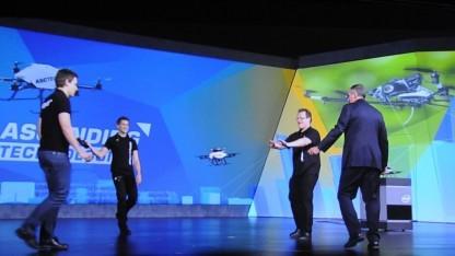 Intel und Ascending Technologies beim Drohnen-Ping-Pong