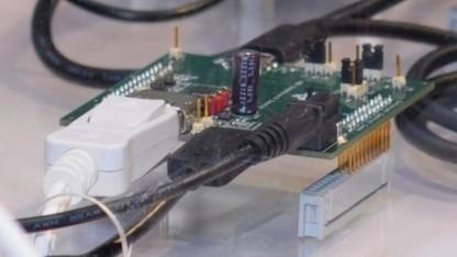 Displayport und USB werden auf dieser Platine zum USB-C-Kabel zusammengefügt.