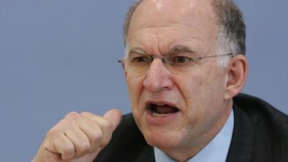 Exdatenschutzbeauftragter Peter Schaar kritisiert Abhörpraktiken des BND.