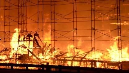 Brennt ein Gebäude, kann der Schaden nach festen Kriterien ermittelt werden - bei Cyberangriffen noch nicht.