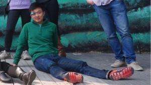Oneplus-Mitgründer Carl Pei auf einem Gruppenbild des Oneplus-Teams