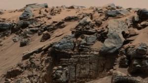 Gesteinsablagerungen auf dem Mars: Teppiche aus Mikroorganismen interagieren mit Sedimenten