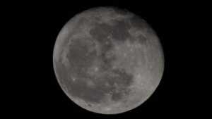 Der Mond, von der Erde aus fotografiert (Foto: Werner Pluta/Golem.de), Mond
