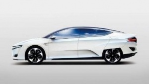 Honda Fuel Cell Vehicle: Antriebsstrang im Motorraum