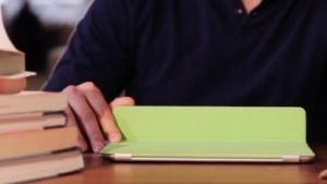 Evernote Peek macht vor, was mit dem Smart Cover möglich ist.