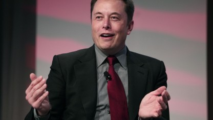 Elon Musk: Schritt halten mit der Entwicklung der künstlichen Intelligenz