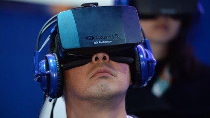Das Head-mounted Display Oculus Rift auf der CES 2014