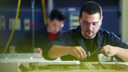 Apple soll Mitarbeiter von A123 Systems abgeworben haben.