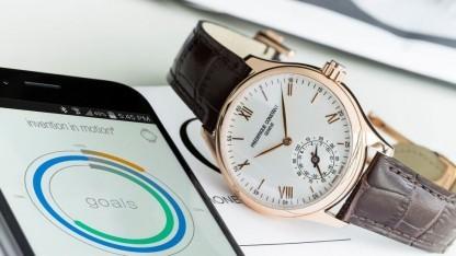 Smartwatch im klassischen Armbanduhrendesign