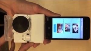 Analysegerät am Smartphone: nachgebildet, was die Geräte im Labor machen