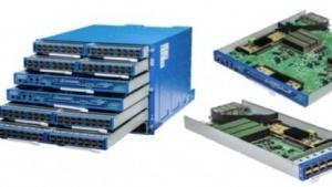 Switch- und Fabric-Hardware lassen sich im 6-Pack einfach stapeln.