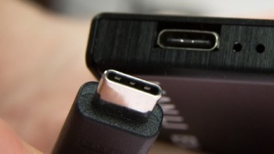Fehlerhafte USB-Typ-C-Kabel können Geräte beschädigen.