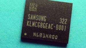 Älterer Flash-Baustein mit eMMC-4.5-Technik und 64 GByte Kapazität