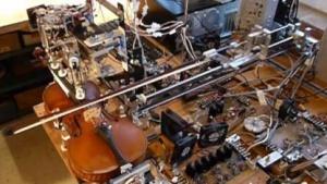 Roboter Ro-Bow: beherrscht Techniken wie Pizzicato und Vibrato