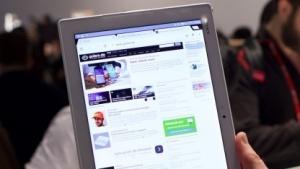 Sonys Xperia Z4 Tablet wiegt nur 393 Gramm.