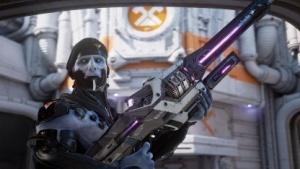 Ein Necris mit der Shock Rifle