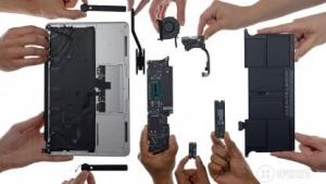 Zerlegtes Macbook Air 11 Early 2015