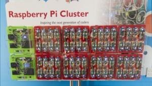 Das britische GCHQ hat für eine Technikmesse für Jugendliche einen Cluster aus 66 Raspberry Pis gebaut.