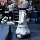 Care-O-bot: Der Gentleman-Roboter gibt sich die Ehre