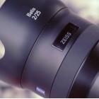 Batis: Zeiss baut OLEDs in Objektive