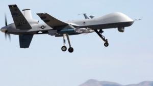 """Mit Lenkwaffen bestückte MQ-9A """"Reaper"""" der U.S. Air Force"""