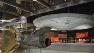 USS Enterprise NCC-1701 im Museumsshop