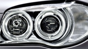 Adaptives Kurvenlicht in einem BMW