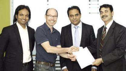 Googles Immobilienmanager David Radcliffe nach der Unterzeichnung des Vertrags