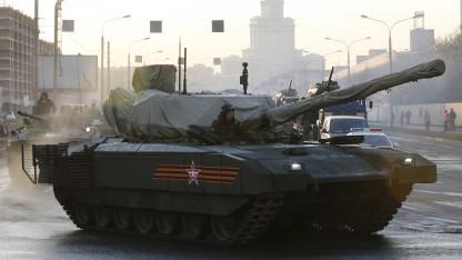 T-14 auf dem Weg zur russischen Militärparade am 9. Mai 2015
