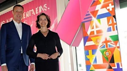 Telekom-Deutschlandchef Niek Jan van Damme (links) und Claudia Nemat, Telekom-Vorstand Europa und Technik