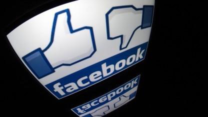 Daumen rauf, Daumen runter: Facebook sei intransparent, monieren belgische Datenschützer.