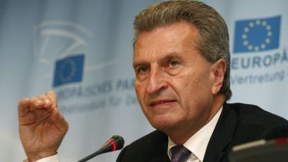 Günther Oettinger (2014): Roaming-Kosten sollen abgeschafft werden.