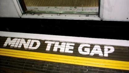 Auch in der U-Bahn lassen sich Smartphones lückenlos überwachen.