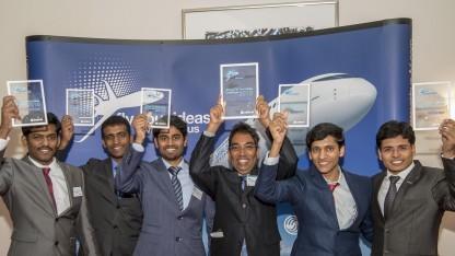 Team Multifun. Von links nach rechts: Dhamotharan Veerasamy, Ajith Moses, Sathiskumar Anusuya Ponnusami, Dineshkumar Harursampath Academic mentor Indian Institute of Science, Shashank Agrawal,